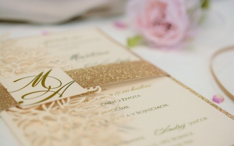 8b67197894a1 svadobné oznámenie s mašľou Svadobné oznámenie ...